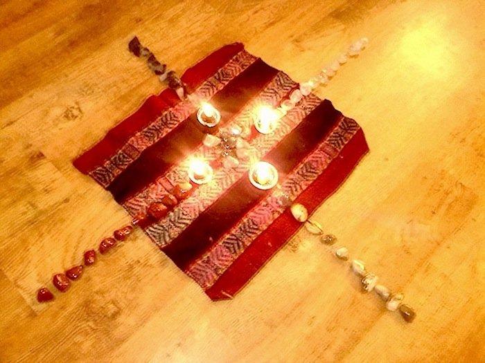 Meditazione attiva realizza un altare per le tue intenzioni sacre-2