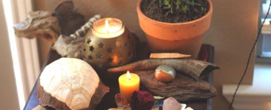 Meditazione attiva: realizza un altare per le tue intenzioni sacre.