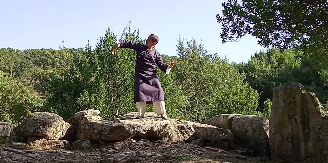 La meditazione in movimento aumenta la visione spirituale-1